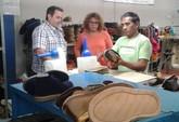 La directora general de Comercio visitó las instalaciones de la empresa artesana Toballe Calzados