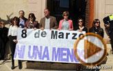 El Ayuntamiento se suma al paro simbólico para protestar por el paro femenino y en solidaridad con las mujeres que sufren violencia de género