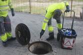 Comienza el tratamiento de choque anual de desinsectación y desratización en el sistema de saneamiento y alcantarillado