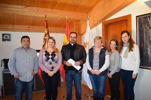 Convenio con Cáritas de Mazarrón y asociaciones de ayuda para atender a personas en riesgo de exclusión social - 1, Foto 1