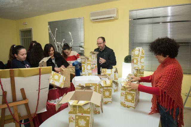Acoma reparte 1.000 euros entre los clientes que participaron en el sorteo de la caja mágica, Foto 2