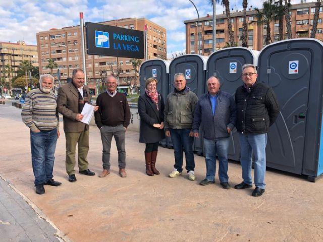 Comercio dota de aseos a los mercados de La Fama y Santa María de Gracia - 1, Foto 1