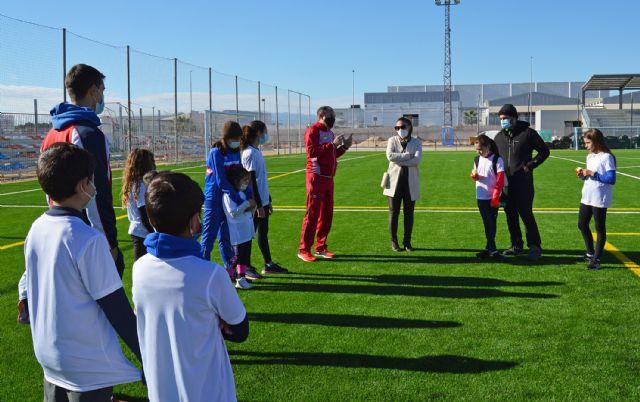 Cerca de 20 jóvenes torreños participan en un gymkana de atletismo en el polideportivo municipal - 5, Foto 5