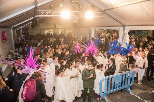 Playas de Percheles gana el primer premio en el desfile de carnaval de las peñas locales, Foto 2