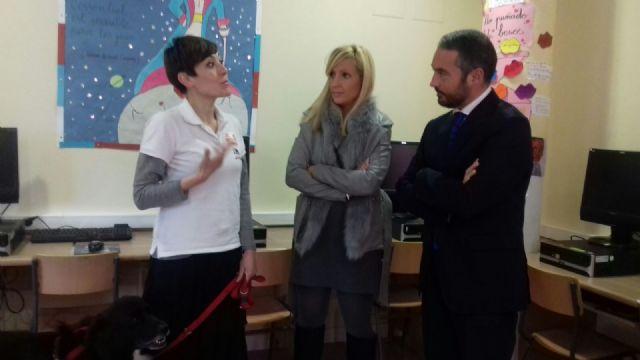 El CEIP Virgen de la Vega de Cobatillas introduce actividades con perros para alumnos con necesidades educativas - 3, Foto 3