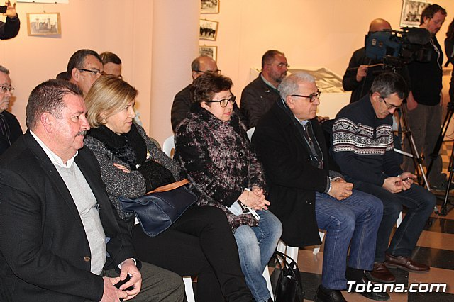 The round table on the tradition of pottery and the future prospects of the sector in this municipality, within the events of the Centennial of the City - 2