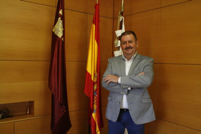 The mayor meets tomorrow, for the first time, with the president of the Autonomous Community, Fernando López Miras