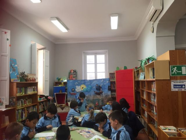 Más de 200 escolares participan en la actividad de animación a la lectura El tesoro del pirata, Foto 2