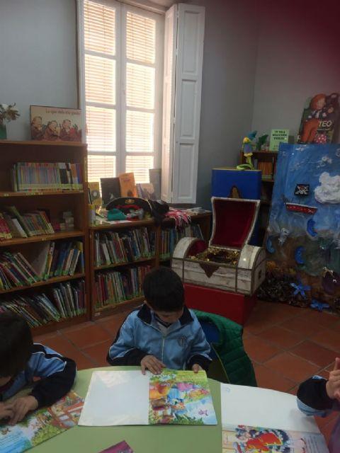 Más de 200 escolares participan en la actividad de animación a la lectura El tesoro del pirata, Foto 3