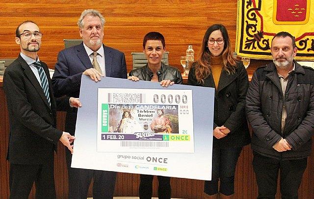 Mª Carmen Morales presenta el cupón de la ONCE que protagonizan las fiestas de La Candelaria - 1, Foto 1