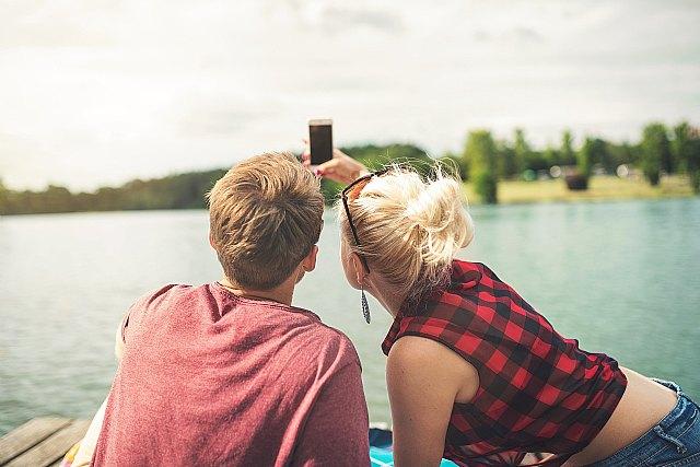 Cuatro de cada diez parejas se conocen ya a través de las redes sociales y las aplicaciones móviles - 1, Foto 1