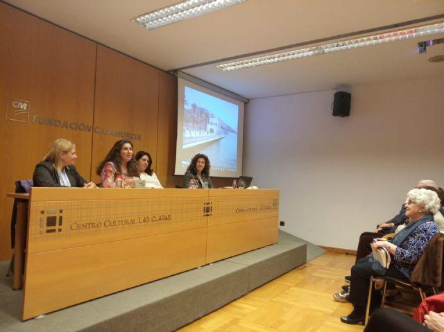 Las Mujeres con Valor Añadido participan con éxito en la mesa redonda organizada por ACUM - 1, Foto 1