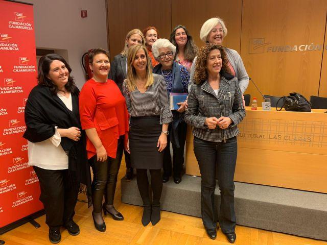 Las Mujeres con Valor Añadido participan con éxito en la mesa redonda organizada por ACUM - 2, Foto 2