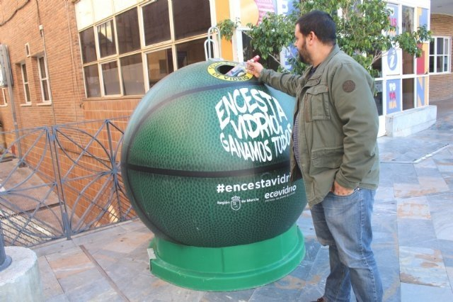 "The awareness campaign ""Encesta glass, we all win"" allowed to collect more than 18 tons in glass containers, Foto 1"
