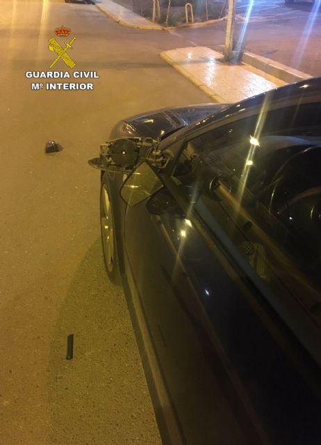 La Guardia Civil investiga en Mazarrón a tres menores por causar daños a numerosos vehículos, Foto 3