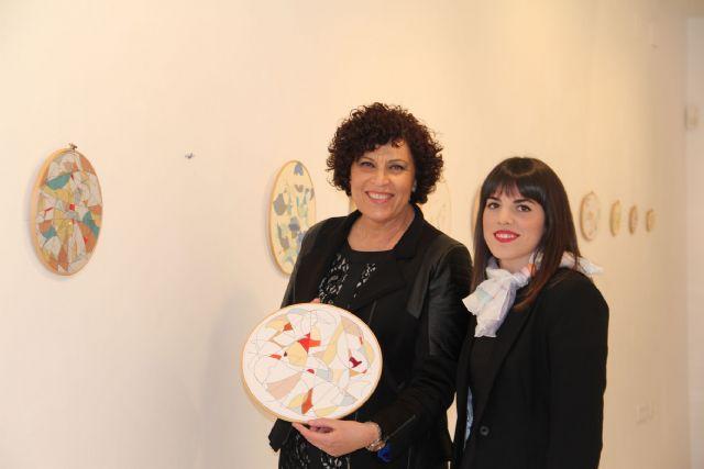 La artista lumbrerense Ana Gabarrón inaugura su exposición 'Un balanceo, un recuerdo' en la Casa de los Duendes Puerto Lumbreras - 1, Foto 1