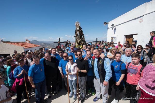 Centenares de romeros acompañaron a la Virgen de la Soledad del Calvario en su regreso a la ermita - 1, Foto 1