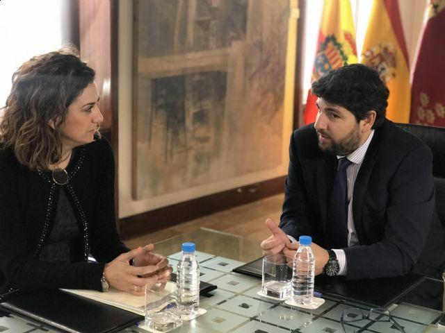 El presidente Fernando López Miras se reúne con la alcaldesa de Archena - 1, Foto 1