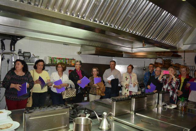 Guilas comienza una nueva edici n del curso de cocina - Curso de cocina murcia ...