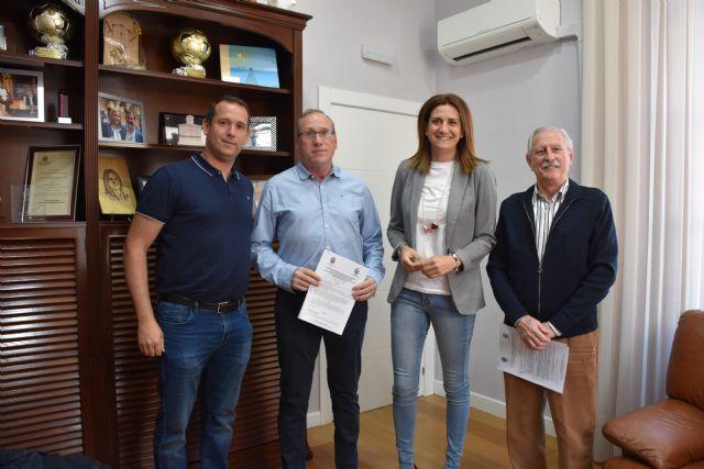 La Alcaldesa de Archena firma dos convenios de colaboración con dos importantes clubs deportivos locales - 1, Foto 1