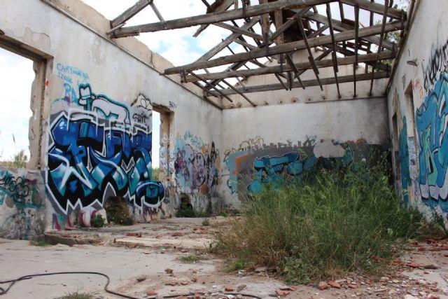 Cs denuncia que no se ha vallado ni demolido la antigua depuradora de Barrio Peral para evitar daños y accidentes - 2, Foto 2