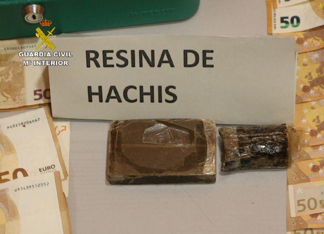 La Guardia Civil desarticula una organización criminal dedicada a exportar marihuana al resto de Europa - 1, Foto 1