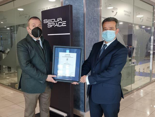 Grupo Sureste obtiene la ISO 27001 que acredita la seguridad de la información y la protección de los datos de sus clientes