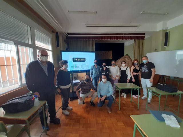 Técnicos de D´Genes imparten una charla sobre enfermedades raras a profesores del IES Valle de Leiva, Foto 1