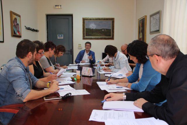 El Ayuntamiento y los centros educativos refuerzan su compromiso contra el absentismo y el fracaso escolar, Foto 1