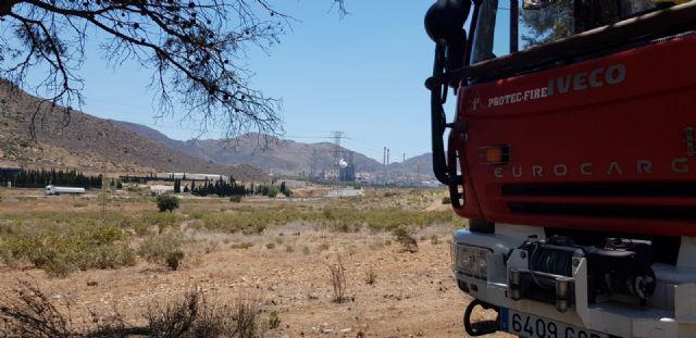 Diputados y concejales de Ciudadanos se desplazan hasta el Valle de Escombreras tras la avería en la refinería de Repsol - 1, Foto 1