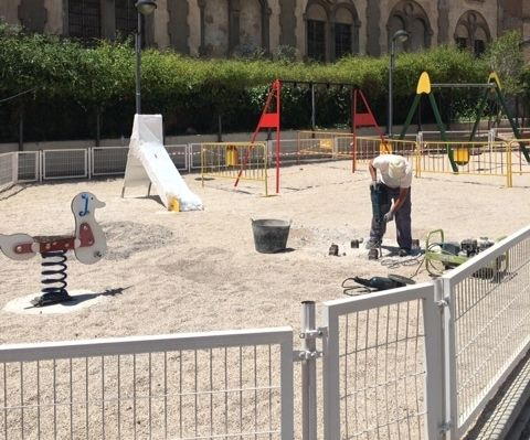 "They undertake improvement and conditioning work in the ""Blue Park"", in the area of ​​the urbanization ""La Verja"""