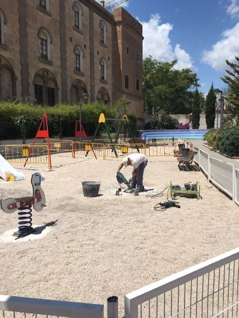 "They undertake improvement and conditioning work in the ""Blue Park"", in the area of ​​the urbanization ""La Verja"" - 5"