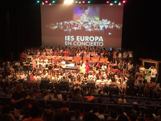 AFEMAC asiste al concierto anual del IES europa - 1, Foto 1