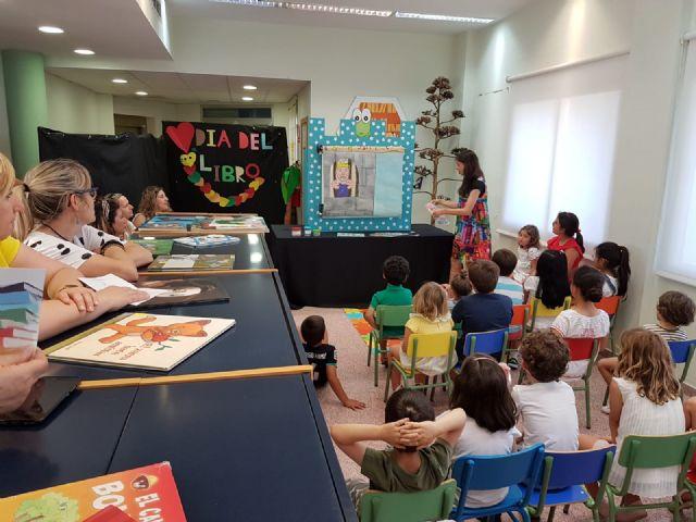 La Red Municipal de Bibliotecas de Puerto Lumbreras fomenta la igualdad entre los más pequeños con cuentacuentos - 1, Foto 1
