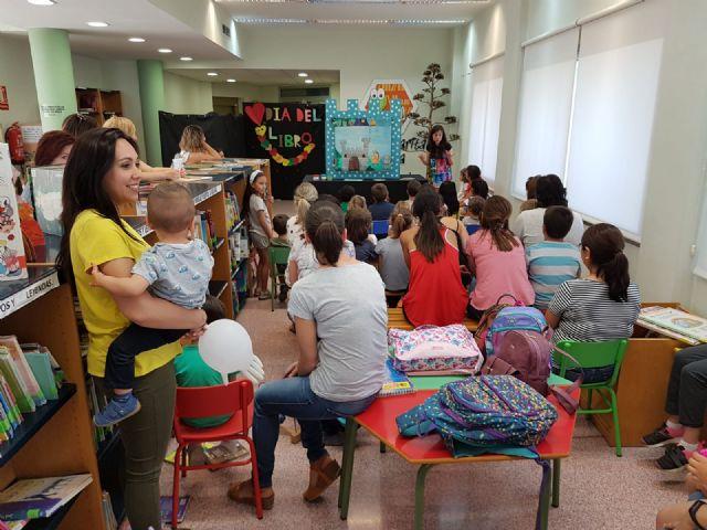 La Red Municipal de Bibliotecas de Puerto Lumbreras fomenta la igualdad entre los más pequeños con cuentacuentos - 2, Foto 2