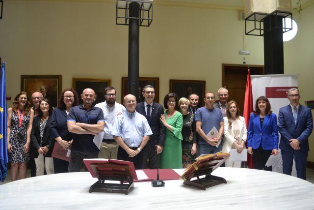 Personal funcionario de la Universidad de Murcia toma hoy posesión de sus plazas - 1, Foto 1