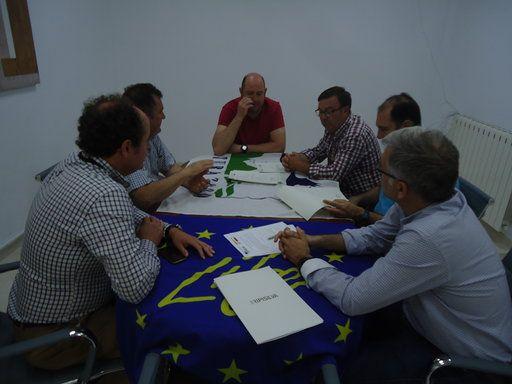 Firma de uno de los convenios de custodia en Calasparra. (J.Sánchez/ANSE)., Foto 1