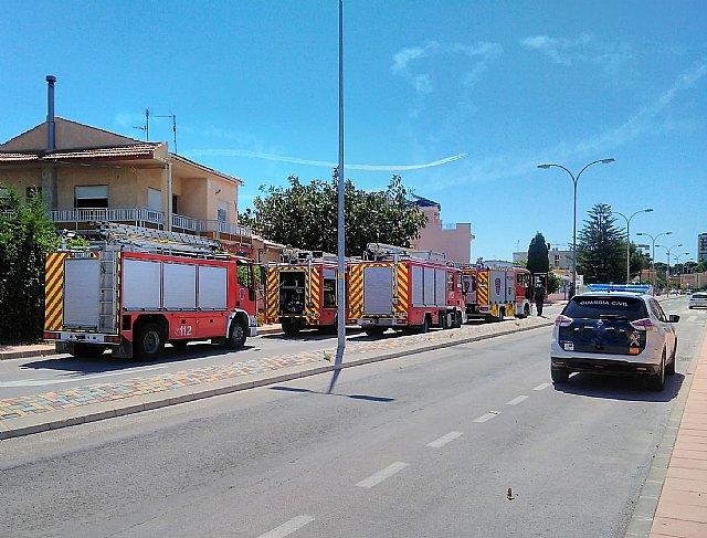 Incendio en una vivienda de Santiago de la Ribera - 1, Foto 1