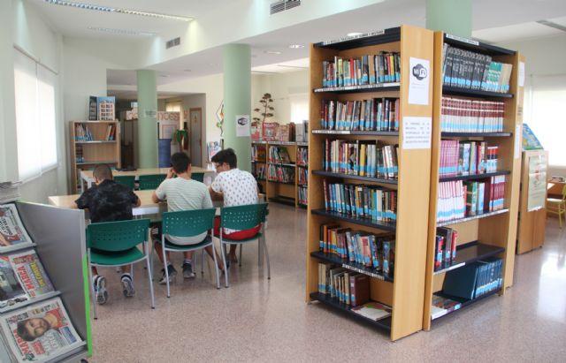 La Red Municipal de Bibliotecas de Puerto Lumbreras amplía su fondo bibliográfico con más de un centenar de libros - 1, Foto 1