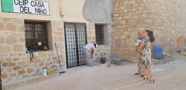 La Concejalía de Educación destina casi 20.000 euros a una veintena de actuaciones de mejora y mantenimiento en centros educativos del municipio durante este verano - 2, Foto 2