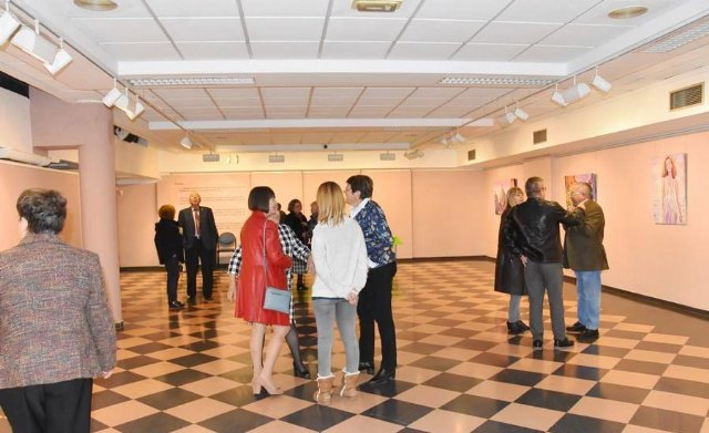 "The activity organized during the last year in the exhibition hall ""Gregorio Cebrián"" that more visitors registered was the ""Exhibition of Belenista Art"", with more than 5,500 records - 2"