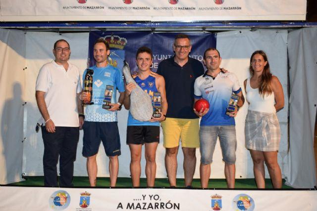 Más de medio millar de atletas se solidarizan con la AECC en la IV carrera popular
