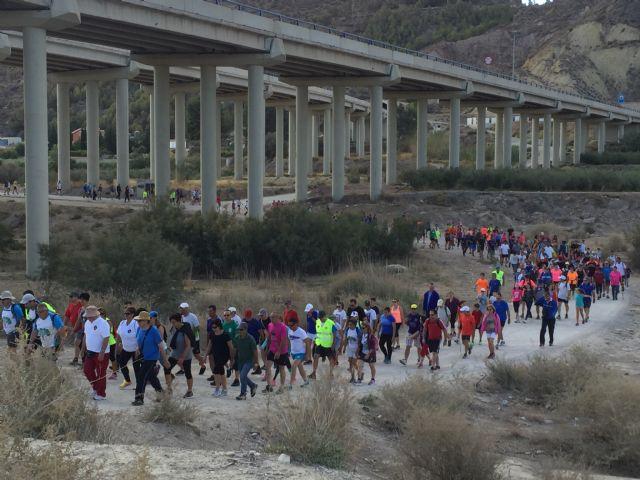 Ruta Senderista al Cejo, Jugando al Atletismo en la Calle y Aquaeróbic, citas populares de la segunda semana de Juegos del Guadalentín - 1, Foto 1