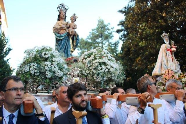 El presidente de la Comunidad, Fernando López Miras, asiste a la misa de despedida de Nuestra Señora de la Fuensanta y a la posterior romería al Santuario., Foto 1
