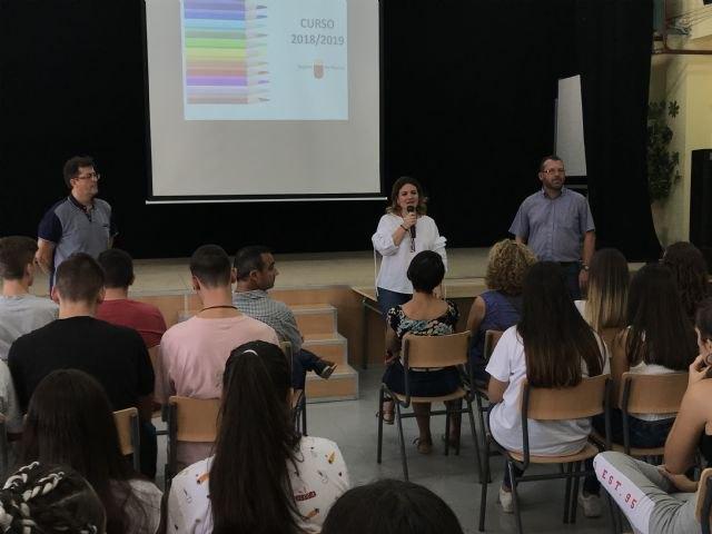 Un total de 37.993 alumnos de ESO y Bachillerato regresan hoy a las aulas, Foto 1