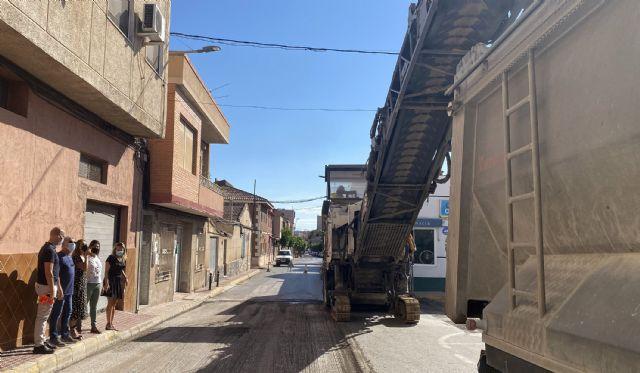 La renovación del firme de la calle Mula, incluida en el POS, ya está en marcha - 1, Foto 1