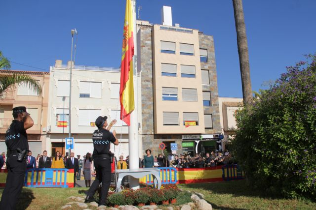 Puerto Lumbreras rinde homenaje a la bandera española - 1, Foto 1