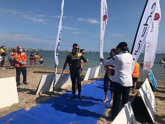 Alberto Lorente consigue el récord mundial de natación a ciegas en mar abierto - 1, Foto 1