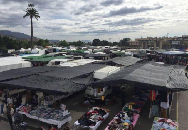 El Ayuntamiento de Lorca habilita el antiguo parking de Limusa y un solar junto al río a escasos metros del Huerto de la Rueda como espacios de aparcamiento gratuito para los usuarios del mercado - 1, Foto 1