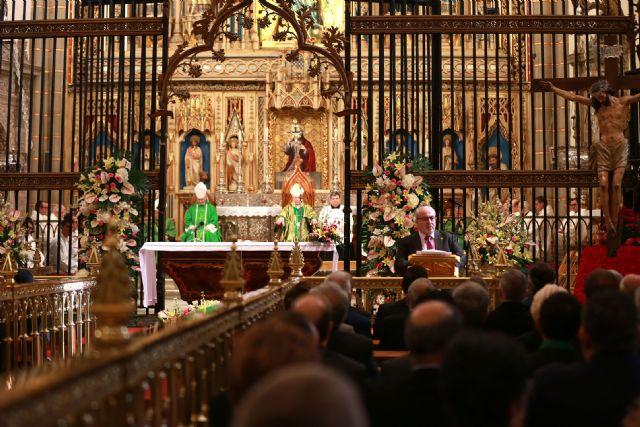 Multitudinaria Eucaristía en la Catedral para clausurar el III Congreso Internacional de Cofradías - 2, Foto 2